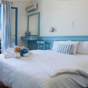 Saronis Hotel – Αγκίστρι